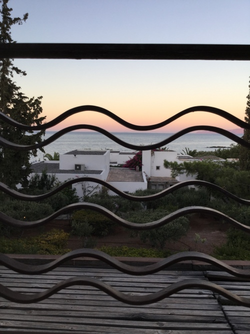 Coucher de soleil depuis la terrasse du Saint Nicolas Bay