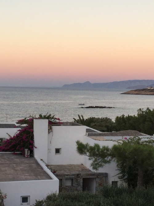 Couché de soleil sur mer Agios Nikolaos Crete.